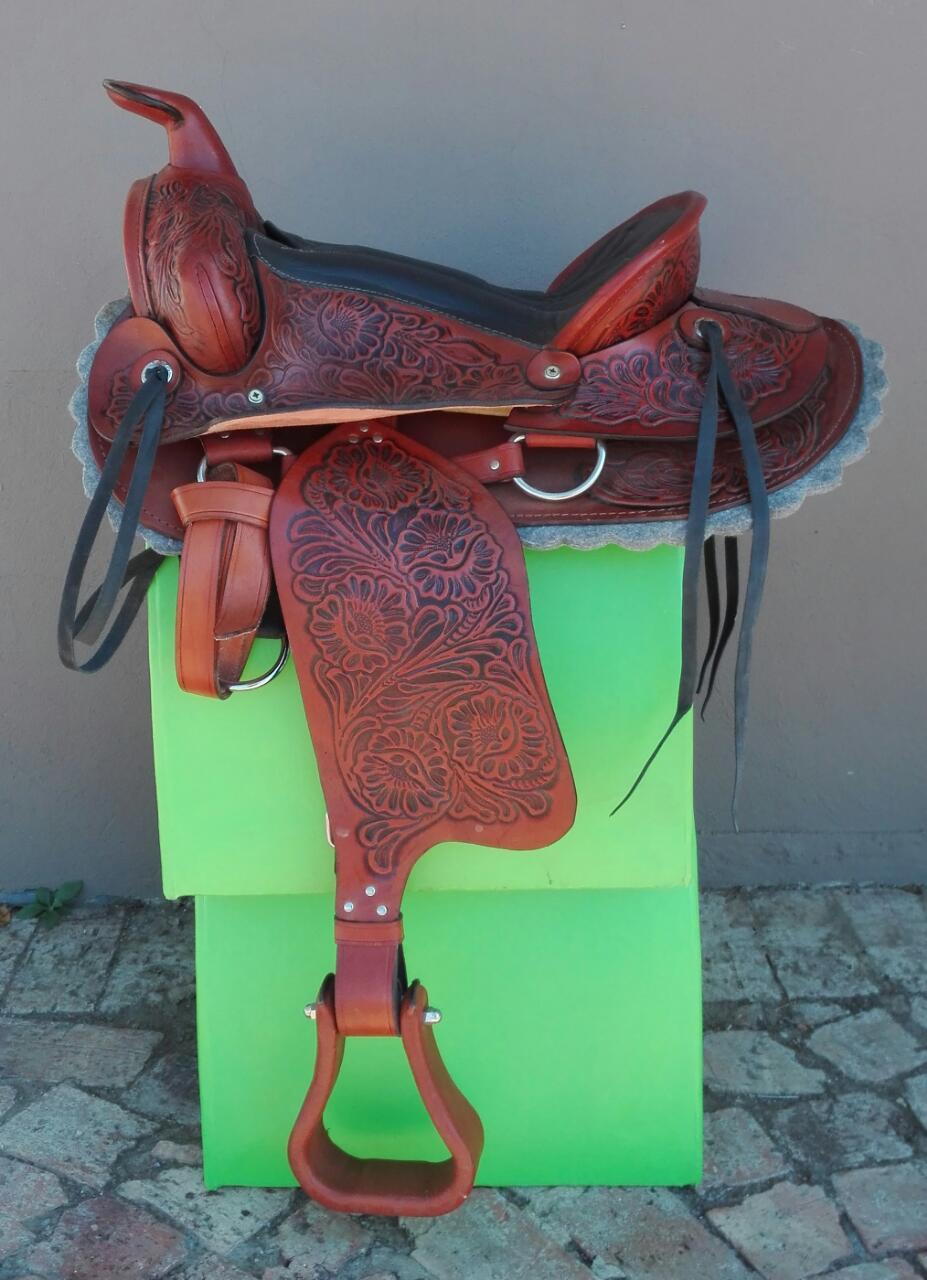 El Paso Embossed Western saddle